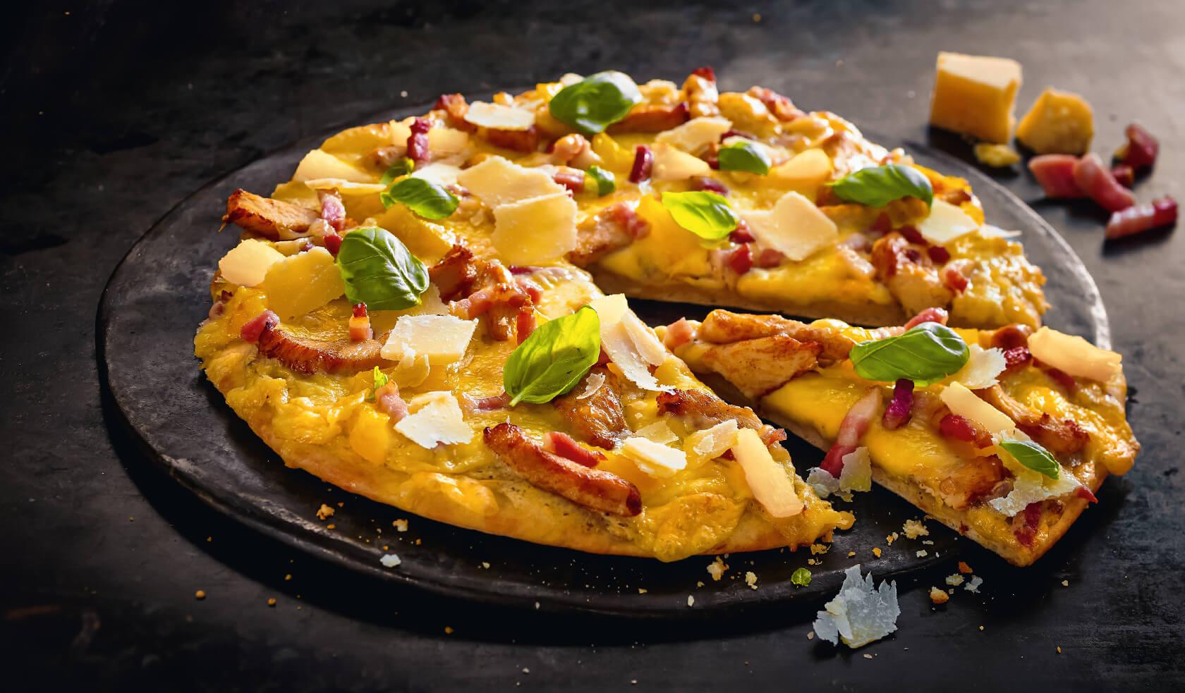 Flying Pizza Karte.Pizza Chicken Alfredo